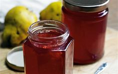Quince jelly recipe This quince jelly is good with cold meat or cheese, or on toast. Quince Jam Recipe, Quince Recipes, Quince Fruit, Quince Jelly, Jelly Recipes, Raw Food Recipes, Sweet Recipes, Cooking Recipes, Jam And Jelly