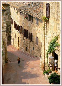 San Gimignano, province of Siena , Tuscany, Italy Toscana, Amalfi, Wonderful Places, Beautiful Places, Beautiful Streets, Rome, Places To Travel, Places To Visit, Tuscany Italy