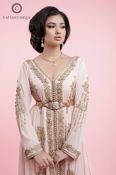 Caftan Indian Gowns Dresses, Pink Gowns, African Fashion Dresses, Pink Wedding Dresses, Morrocan Dress, Moroccan Bride, Moroccan Caftan, Kaftan Style, Caftan Dress