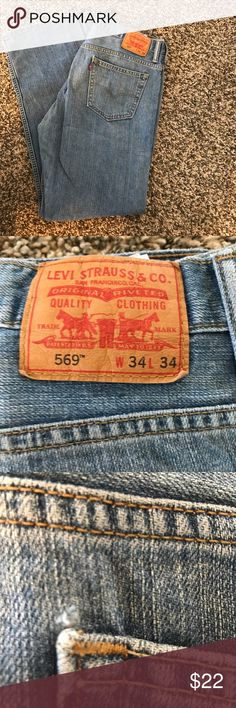 Men's Levi's 569 34x34 Great condition. Tiny fray in back pocket. Levi's 569 34x34 loose fit. Otherwise New condition Levi's Jeans Straight