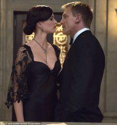 Vesper Lynd (Eva Green) and James Bond (Daniel Craig) Eva Green, James Bond Girls, New James Bond, James Bond Casino Royale, Divorce, Casino Royale Dress, Las Vegas, Casino Night Party, Casino Outfit