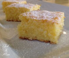 This is the best Lemon Coconut Slice! The same delicious flavours and textures of a brownie, it is packed full of lemon and coconut flavours. Lemon Coconut Slice, Coconut Cakes, Coconut Desserts, Tray Bakes, Baking Recipes, Lemon Recipes, Sweet Recipes, Baking Ideas, Punch