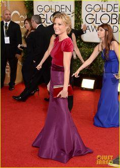 Julie Bowen - Golden Globes 2014 Red Carpet | julie bowen golden globes 2014 red carpet 01 - Photo