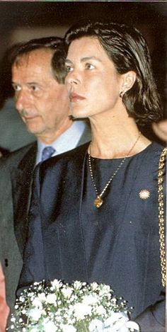 Young Caroline of Monaco (323×643)