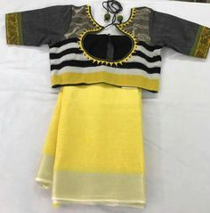Attractive Yellow Color With Yellow Printed Blouse Heavy Linen Cotton Saree. Cotton Saree Blouse Designs, Fancy Blouse Designs, Blouse Neck Designs, Blouse Patterns, Linen Blouse, Blouse Styles, Blouse Models, Saree Models, Dress Models
