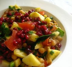 Chickpea Salad with Chat Masala, Mango and Pomegranate Seeds -- easy to put together, tart, sweet and zesty!