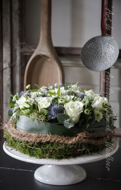 Discover thousands of images about Art de la Fleur Angelique Temmink Waalboer. Fall Arrangements, Beautiful Flower Arrangements, Beautiful Flowers, Deco Floral, Arte Floral, Decoration Inspiration, Christmas Centerpieces, Flower Boxes, Fresh Flowers