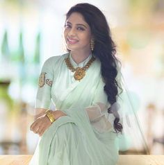 gorgeous chiffon saree and blouse! and the ornaments! Poornima Indrajith in her own Pranaah Indian Attire, Indian Wear, Indian Dresses, Indian Outfits, Organza Saree, Chiffon Saree, Saree Dress, Simple Sarees, Elegant Saree