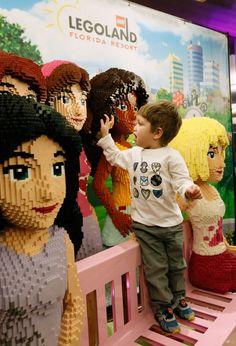 Nova Iorque (Março 25, 2015) - Os únicos quartos inspirados na série Lego Friends nos Estados Unidos, bem como a única suíte do gênero estão chegando ao Legoland Hotel no Legoland Florida Resort. O anúncio foi feito na cidade de Nova Iorque num evento onde foram...