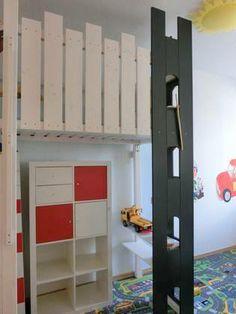 A #space-saving #loft #bed is the perfect solution for small rooms: http://www.1-2-do.com/de/wettbewerb/projekt/49/Raumwunder-gesucht/12187/Ritterhochbett-fuer-unseren-Sohn/
