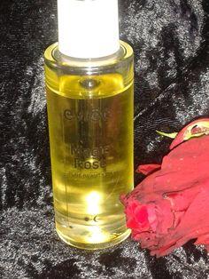 Szafka z kosmetykami: Olejek różany do twarzy Magic Rose