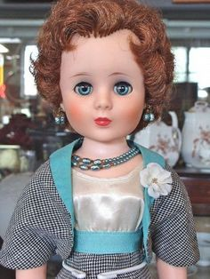 Sweet Sue Sophisticate in Town & Country Outfit - Bayberry's Antique Dolls http://www.dollshopsunited.com/stores/bayberrys/items/1331489/Sweet-Sue-Sophisticate-in-Town-Country-Outfit #dollshopsunited