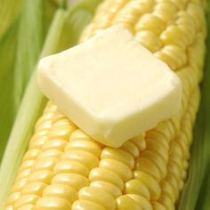 Butter's saltiness balances corn on the cob's sweetness. Corn on the cob in the oven