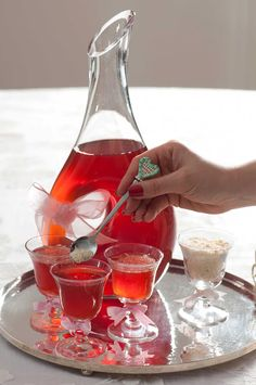 How to Make Lohusa Sherbet? Lohusa Sherbet Recipe Kitchen Decor - Home creative ideas Sherbet Recipes, Beignets, Homemade Syrup, Turmeric Root, Food Website, Turkish Recipes, Spicy Recipes, Healthy Drinks, Bon Appetit
