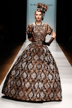 Anna Karenina in the hoooouse! | The 31 Wildest Looks From Russian Fashion Week