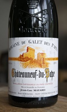 How To Read a French Wine Label — Anatomy of a Wine Label Chateauneuf Du Pape, French Wine, Wine And Liquor, Wine Wednesday, Fruit Displays, Wine Cheese, Fine Wine, Appetizers For Party, Anatomy