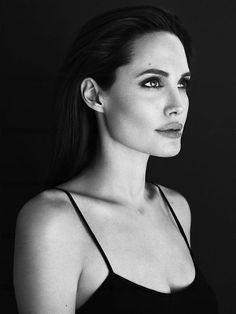 お化け Angelina Jolie from grotesquery.tumblr.com