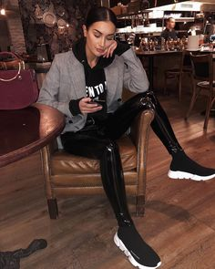 How to get Balenciaga Speed Trainers Mid Black White with - outfits - Fashion Moda, Fashion Pants, Womens Fashion, Fashion Shoes, Sneakers Fashion Outfits, Men's Outfits, Ladies Fashion, Fashion Fashion, Looks Chic