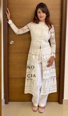 Kids Blouse Designs, Simple Kurti Designs, Kurti Neck Designs, Kurta Designs Women, Sharara Designs, Indian Bridesmaid Dresses, Indian Gowns Dresses, Long Dresses, Designer Party Wear Dresses
