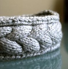 Cable Bracelet Knitting Pattern Free - this little project is a perfect gift and it knits up quick. If you haven't tried to do any cabling yet, or if you want a reason to learn the provisional cast-on or kitchener stitch, this is a good reason to do so. Knitting Patterns Free, Free Knitting, Crochet Patterns, Knit Or Crochet, Crochet Hats, Knit Hats, Knitting Hats, Knit Headband Pattern, Crochet Headbands