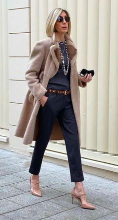 Over 60 Fashion, Work Fashion, Fashion Looks, Mode Outfits, Chic Outfits, Fashion Outfits, Womens Fashion, Fall Winter Outfits, Autumn Winter Fashion