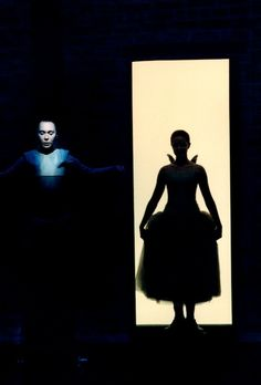 Alice and Wonderland.... transition.  Dream Play, Stockholm, 1998. Photo by Lesley Leslie-Spinks