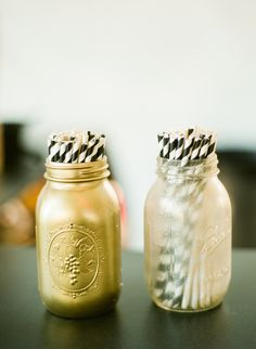 Spray paint mason jars and place paper straws in them for a detailed cocktail hour presentation. Wedding Blog, Diy Wedding, Wedding Ideas, Spray Paint Mason Jars, Party Planning, Wedding Planning, Straw Holder, Birthday Gifts For Girlfriend, Grad Parties