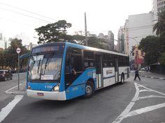 Mulher que caiu de ônibus em movimento será indenizada