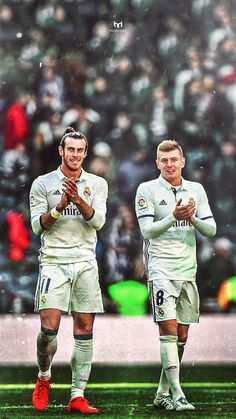 Gareth Bale and Toni Kroos Real Madrid Football Club, Real Madrid Players, Best Football Team, Sport Football, Nike Soccer, Soccer Cleats, Solo Soccer, Gareth Bale, Barcelona Soccer