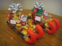 Candy Santa Sleighs! We saw these at a restaurant this past Christmas.  Wondered how to make them.