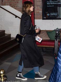 Alexa Chung supports Alexander Skarsgard at movei screening in London Look Fashion, Daily Fashion, Street Fashion, Mode Outfits, Chic Outfits, Fashion Outfits, Looks Street Style, Looks Style, Alexa Chung Style