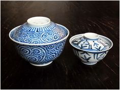 imari ware /19th century hand-painted design of takokarakusa