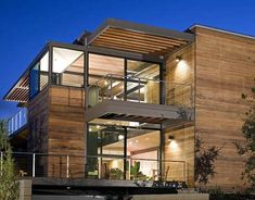 Modern Modular Homes - Designed by architect Ray Kappe and installed in a  eight hours