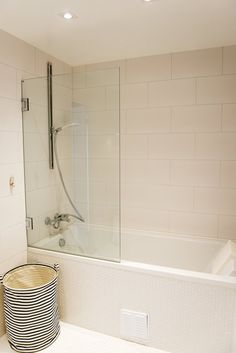 http://www.apartmenttherapy.com/ediths-clean-yet-colorful-townhome-222690?utm_source=RSS