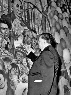 Diego Rivera pintando el Mural, Sueño de una tarde dominical en la Alameda Central..
