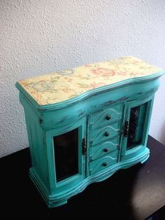upcycled vintage jewelry box i might do this with an old one i