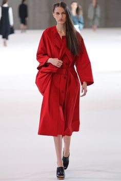 Spring 2015 Ready-to-Wear - Christophe Lemaire #ChristopheLemaire #pfw #ss2015 #fashionweek #model #fashion #runway