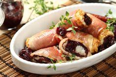 Kurczak z kozim serem i karmelizowaną czerwoną cebulą