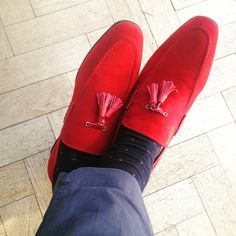 Grey Fox: Gucinari - affordable shoes modelled by an older man of style. Love these gorgeous red loafers.