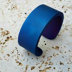 Custom titanium, copper, and zirconium lanyard beads & edc gear Titanium Jewelry, Titanium Rings, Fashion Bracelets, Cuff Bracelets, Wedding Jewelry Sets, Leather Jewelry, Modern Jewelry, Purple, Blue