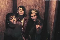 Young Pierce The Veil Look at Tony's hair! I love the snake bites on him though