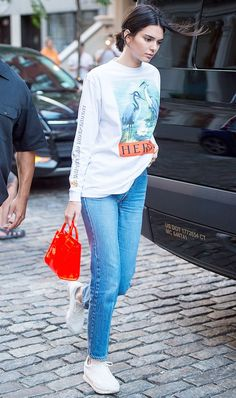 20 Ideas For Sneakers Fashion Outfits Style Kendall Jenner Sneakers Looks, Dad Sneakers, White Sneakers, Kendall Jenner Outfits, Kylie Jenner, Celebrity Sneakers, Fall Outfits, Casual Outfits, Sneakers Fashion Outfits