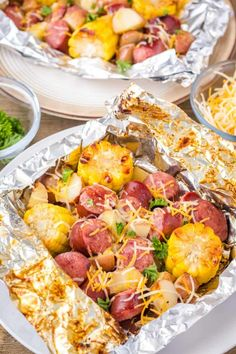 Foil Packet Dinners, Foil Pack Meals, Foil Dinners, Foil Packet Recipes, Smoked Potatoes, Smoke Sausage And Potatoes, Smoked Sausage Recipes, Grilled Sausage, Smoked Sausages