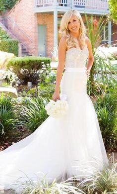 Badgley Mischka Hilary: buy this dress for a fraction of the salon price on PreOwnedWeddingDresses.com