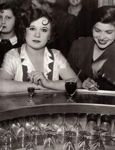 jarretedeboire:  Brassaï - Bar des Accroche-Coeur, rue de Lappe, Paris, 1932.