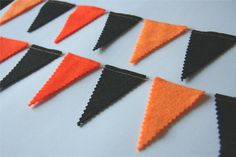 Halloween bunting- all you need is orange & black felt, pinking shears, and a sewing machine. Easy.