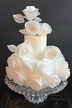 Wafer Paper Cloud - cake by Dozycakes Elegant Wedding Cakes, Beautiful Wedding Cakes, Wedding Cake Designs, Beautiful Cakes, Amazing Cakes, Wafer Paper Flowers, Wafer Paper Cake, Chocolates, Bolo Floral