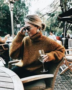 Breathtaking Winter Outfits Ideas You Would Like To Try This Winter . Stunning Winter Outfits Ideas you'd like to try this winter – Best Trend Fashion – Knittin Source by ideas invierno Winter Outfits For Teen Girls, Fall Winter Outfits, Autumn Winter Fashion, Winter Clothes, Mens Winter, Autumn Style, Winter Street Fashion, Dresses For Winter, 2018 Winter Fashion Trends