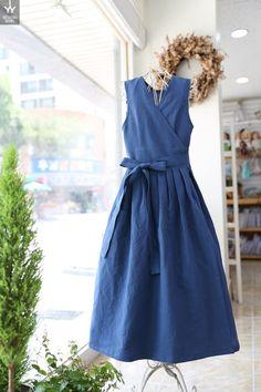 Simple Dresses, Beautiful Dresses, Casual Dresses, Couture, Minimal Dress, Short Frocks, Moda Paris, Korean Dress, Apron Dress