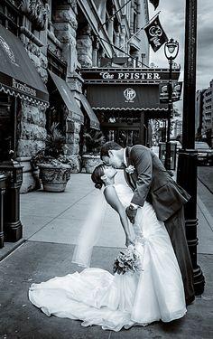 Milwaukee wedding photography by tres jolie photo The Pfister hotel